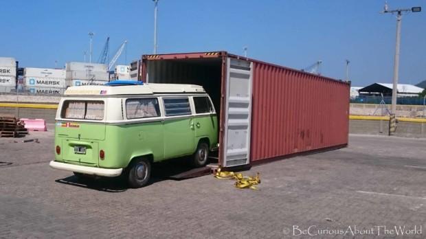 BeCuriousAboutTheWorld - Transport morski samochodu wyprawowego